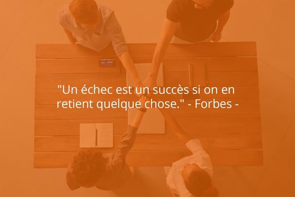 Citation de Forbes sur le succès dans une société.